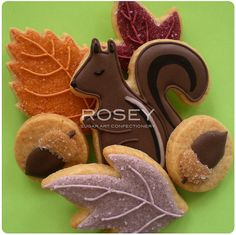 Fabulous autumn cookies by Yukiko, owner of Rosey Confectionery Sugar Art, Tokyo, Japan....