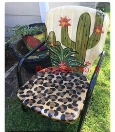 DIY cactus and leopard painted lawn chair! Funky Furniture, Furniture Projects, Furniture Makeover, Painted Furniture, Diy Projects, Lawn Furniture, Western Furniture, Upcycled Furniture, Fixer Up