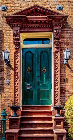 Charleston, South Carolina door This is preeeeety! Cool Doors, Unique Doors, The Doors, Windows And Doors, Grand Entrance, Entrance Doors, Doorway, Portal, Knobs And Knockers