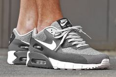 More Air Max 90 Jacquard freshness here from Nike. A plain and simple colourway engulfs the easy breathing upper, and although the interwoven black, white and grey stitching reminds us of an out of tune analogue television, this is one channel that we don't want to change.Look for these hitting the shelves at retailers including …