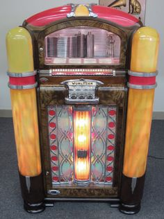 - Wurlitzer Jukebox #music #jukebox #records #vinyl #audio #vintageaudio #wurlitzer http://www.pinterest.com/TheHitman14/the-jukebox/
