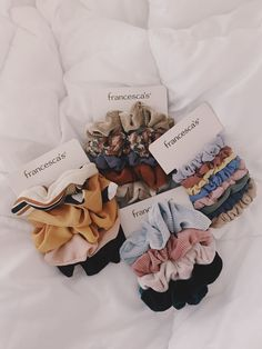 I love scrunchies. I want to get the giant velvet ones I love scrunchies. I want to get the giant velvet ones Scrunchies, Christmas Birthday, Christmas Wishes, Accesorios Casual, Birthday Wishlist, Cute Jewelry, Gold Jewelry, Jewlery, Love Pictures