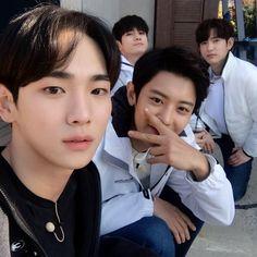 Wanna One/GOT7/SHINee/EXO