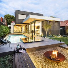 Our Ormond project is an all year round, entertainers paradise. Combining a modern outdoor living space with an in ground concrete swimming pool, and stunning negative edge raised black spa. Outside Living, Concrete Swimming Pool, Modern Outdoor Living, Landscaping Melbourne, Modern Fire Pit, Modern Landscaping, Pool Landscape Design, Residential Landscaping, Swimming Pools