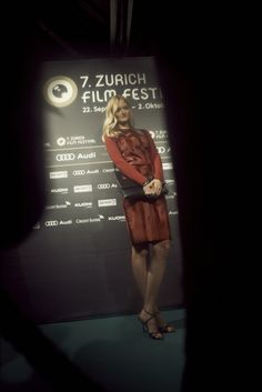 The Zurich Film Festival presents the most promising new filmmakers from around the globe and promotes the exchange of ideas between established film workers, creative talent and the public. Festival Fashion, Film Festival, Audi, Filmmaking, Public, Movies, Movie Posters, Movie, Cinema