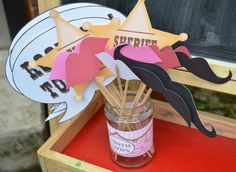 Photo props at a Cowgirl Party #cowgirl #photoprops