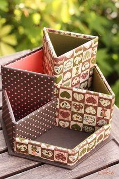 It is the work of cartonnage lessons ♪ Cardboard Organizer, Cardboard Box Crafts, Newspaper Crafts, Cardboard Furniture, Diy Storage Boxes, Craft Storage, Diy Home Crafts, Diy Arts And Crafts, Origami Box