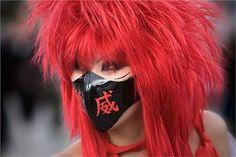 As mulheres de Harajuku são adolescentes na área de Harajuku (bairro de Tóquio onde tudo começou), que estão vestidas e exoticamente transformadas, tanto os cabelos coloridos quanto em relação ao estilo de moda diferente. Podem ser membros de várias sub-culturas, incluindo Gothic, Lolita, Ganguro, Gyaru e Kogal. Elas também podem se inspirar em personagens de [...]