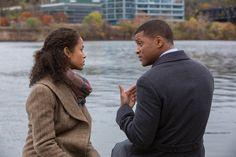 Críticas: 'La verdad duele' (2015). Will Smith brilla pero se queda solo. 6 / 10