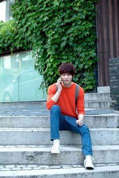 Lee Jong Hyun   CNBlue (guitar, vocal)