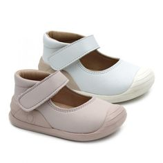 8eb594584  Merceditas de niña con velcro.  Conguitos ha desarrollado una gama de  calzado especialmente