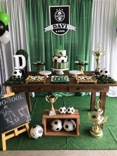 Soccer Birthday Parties, Football Birthday, Luau Birthday, Soccer Party, Kids Party Themes, Birthday Party Decorations, Football Themes, Party In A Box, Childrens Party