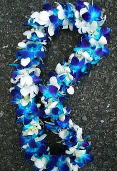Deluxe Blue & White Orchid Lei