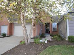 7115 White Oak Ct, Mason, OH 45040 — A new direction of living awaits! Phenomenal local, excellent cond, open floor plan, volume ceilings, 1st flr study, finished wlk out LL w/wet bar. Main level freshly painted+new carpet. Attached 2 car garage. 2300 sf. Welcoming covered front porch.