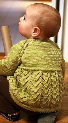 Free Baby Cardigan Patterns Archives - Page 2 of 8 - Free Baby Knitting Baby Knitting Patterns, Baby Sweater Patterns, Knit Baby Sweaters, Knitted Baby Clothes, Knitting For Kids, Baby Patterns, Knitting Projects, Hand Knitting, Baby Knits