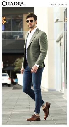Ein Mann mit Stil Fashion outfideman is part of Trendy mens fashion - Blazer Outfits Men, Mens Fashion Blazer, Outfits Casual, Stylish Mens Outfits, Mode Outfits, Suit Fashion, Casual Wear, Casual Blazer, Casual Sneakers