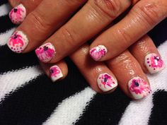Pretty in pink and white with light pink heart for valentines day.! #valentinesnails #prettykittynails