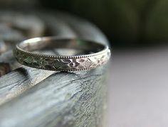 Wedding Band - so iets - dalk net dunner. saam met my ring.