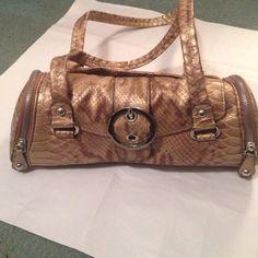 Kathy vanzealand purse Great shoulder bag, Kathy van zeeland makes a beautiful purse full with pockets Kathy Van Zeeland Bags Shoulder Bags