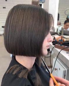 Short Hair Syles, Short Hair With Bangs, Short Hair Cuts, Short Hair For Women, Short Haircuts For Women, Razor Cut Hair, Cute Bob Haircuts, Haircuts For Medium Hair, Short Bob Hairstyles