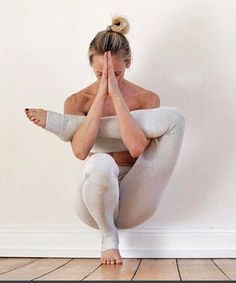 Hot Yoga: Know the exercises that lead to happiness Yoga & Fitness - Workout at Home Yoga Inspiration, Fitness Inspiration, Motivation Inspiration, Style Inspiration, Yoga Fitness, Fitness Diet, Video Fitness, Wellness Fitness, Workout Fitness