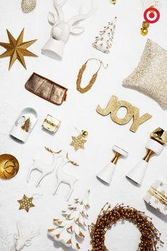 Holiday trend alert! We're totally crushing on the sophisticated look of gold and white—a neutral combo that's anything but boring. Glam up your Christmas décor with this festive pair.