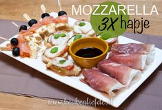 3x mozzarella hapje Tapas, Sandwiches, Birthday Snacks, Mozzarella, High Tea, Tea Time, Buffet, Waffles, Appetizers