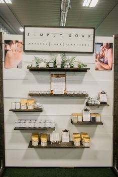 Spa inspired Craft Show Display by Simply Soak at Etsy Made in Canada Ottawa Bath and Body Display Idea / Free standing display using wood panels / White paint / pallet wood display Source by gracerusselll ideas wood Craft Show Displays, Retail Wall Displays, Craft Show Booths, Vendor Displays, Market Displays, Vendor Booth, Craft Show Booth Display Ideas Layout, Candle Display Ideas, Stand Feria