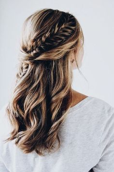11 ideas from Fishtail Braid Hairstyles - Frisuren 2019 - Wedding Hairstyles Fishtail Braid Hairstyles, Open Hairstyles, Pretty Hairstyles, Hairstyle Ideas, Holiday Hairstyles, Fishtail Braid Wedding, Hairstyle Tutorials, Wedding Hairstyles With Braid, Bridesmaid Hairstyles
