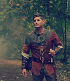 Knight!Dean #Supernatural I will take that kind of knight in shining armor.