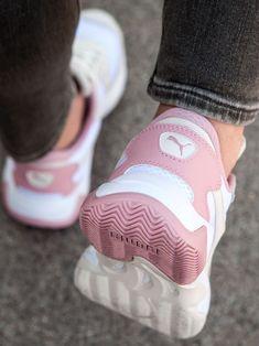 De 20 beste afbeeldingen van PUMA sneakers in 2020 | Sneaker ...
