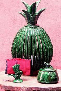 Green Ceramic, Michoacan, Mexico Mexican Artists, Mexican Folk Art, Mexican Style, Mexican Courtyard, Mexican Hacienda, Mexican Interior Design, Mexican Designs, Talavera Pottery, Ceramic Pottery