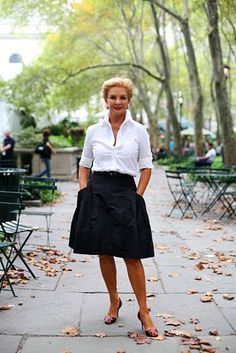 oh, to find the perfect white button-up shirt >> Carolina Herrera #NYFW classic