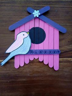 Create this Popsicle stick birdhouse as a fund toddler spring craft. Lolly Stick Craft, Popsicle Stick Crafts For Kids, Cute Kids Crafts, Craft Stick Crafts, Toddler Crafts, Preschool Crafts, Easter Crafts, Popsicle Sticks, Craft Sticks