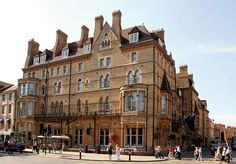 An established five-star hotel with a prime location in the centre of Oxford - includes breakfast and a bottle of wine