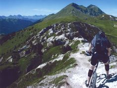 Ruud Gommers (Mountainbiker): Less injuries thanks to super compression and max. performance so fully confident for new adventures! Sports Activities, New Adventures, Short Stories, Confident, Mountains, Travel, Image, October, Trips