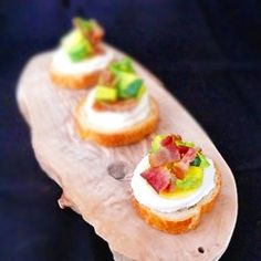Wake up every morning to this amazing breakfast – Bacon and Egg Crostini in New York Style Bagel Crisps! www.newyorkstyle.com