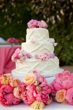 Cake with Pink and Gold, Pink and Gold Floral Decor