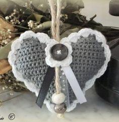 Crochet Gifts, Diy Crochet, Baby Blanket Crochet, Crochet Baby, Crochet Panda, Crochet Embellishments, Knitted Heart, Christmas Crochet Patterns, Knitting Videos