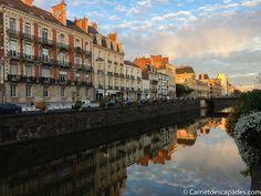 Visiter Rennes - 20 lieux incontournables à voir dans la capitale bretonne, plus quelques bonnes adresses de restaurants, cafés et boutiques. Blog Voyage, Boutiques, Places Ive Been, Restaurants, Paths, Places To Visit, Brittany, Travel, Vacation