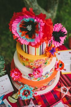 Mexican wedding cake styling from 'Day of the Dead' photoshoot. Cake & Cupcakes by: Nevie-Pie Cakes. Photo credit: We Heart Photos.