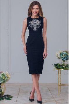 Платье с вышивкой приталенного силуэта • черный • купить онлайн • vilenna
