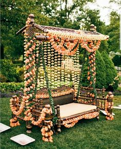 indian wedding decor colorful inspiration ideas In our understanding of the classic wedding is changing! Newlyweds prefer to organize more intimate and fun wedding events instead of formal weddi Desi Wedding Decor, Wedding Stage Decorations, Wedding Mandap, Wedding Events, Pakistani Wedding Decor, Pakistani Mehndi Decor, Wedding Chairs, Wedding Ideas, Indian Wedding Mehndi