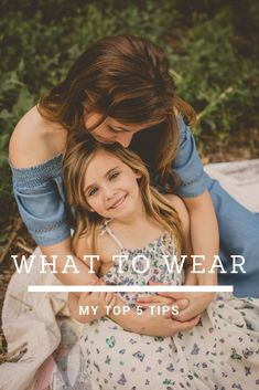Struggling to figure out what to wear for your family photos this year? Check out my easy top 5 tips when shoppping. yucaipa, ca. beaumont, ca. what to wear guide Mommy Daughter Pictures, Mother Daughter Pictures, Mother Daughter Outfits, Mother Daughters, Daddy Daughter, Mother Son, Family Picture Poses, Family Picture Outfits, Family Pictures