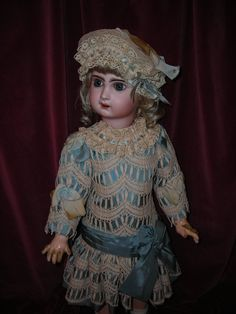 Beautiful costume for bebe Jumeau...Sold by marthagracielle (Ebay_)