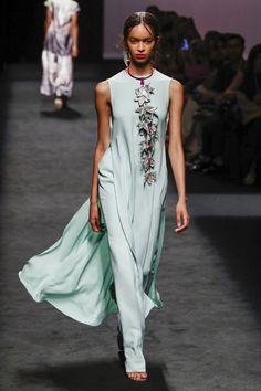 Women's Runway Fashion, Vogue Fashion, Fashion 2020, Fashion Models, Fashion Show, Evening Outfits, Evening Dresses, African Print Fashion, Chic Dress