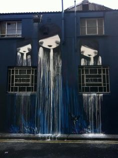 Street art is a wonderful way to express your creativity. Arguably the most well known street artist is Banksy. Here are 50 must see examples of street art. Street Art Utopia, Street Art Graffiti, Street Mural, Banksy Graffiti, Graffiti Artwork, Art Mural, Stencil Graffiti, Wall Murals, Amazing Street Art