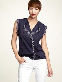 Gap Scalloped Eyelet Top ~ Oh how I need some new spring clothes! :-)