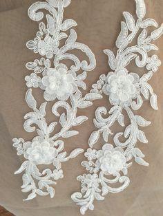 3D Alencon Lace Applique Pair  Ivory Bridal Garter by Retrolace