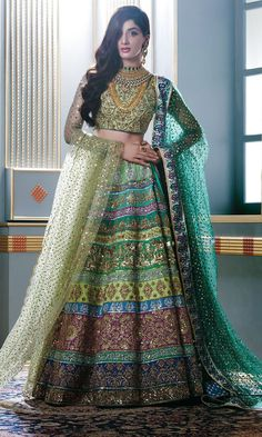 Latest Bridal Lehenga Designs 2020 in Pakistan Bridal Lehenga Choli, Pakistani Bridal Dresses, Indian Dresses, Lehnga Dress, Indian Bridal Fashion, Indian Wedding Outfits, Indian Outfits, Wedding Dresses, Wedding Lehnga
